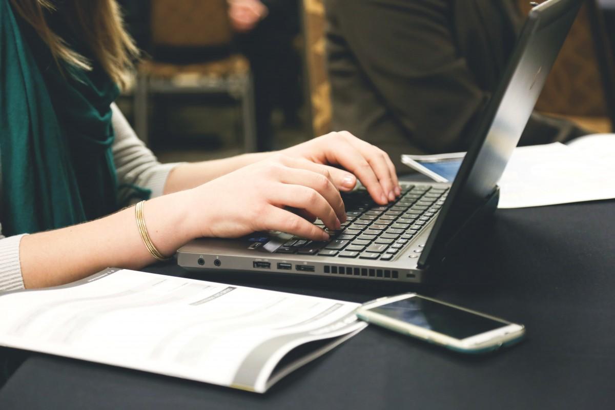Est-ce obligatoire de créer un compte en ligne pro ?
